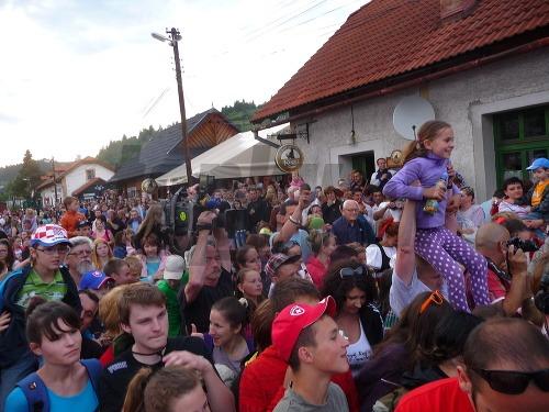 Príchod zabávačov do Čierneho
