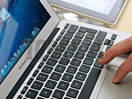 2880704980ac Cez internet nakupujeme najviac oblečenie