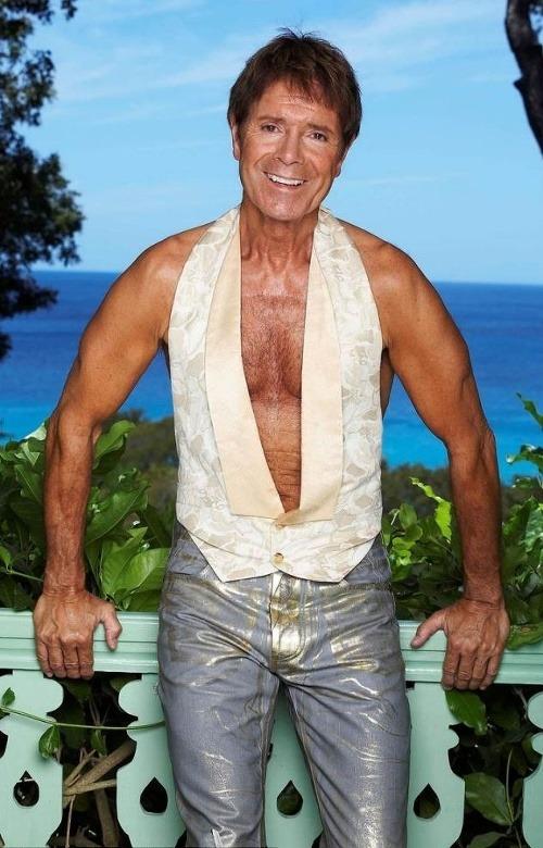Takmer 72-ročný Cliff Richard