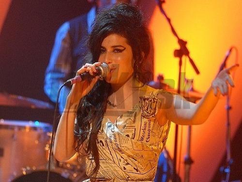 534d9f097d0b Šokujúce odhalenie  Toto je skutočná príčina smrti Amy Winehouse ...