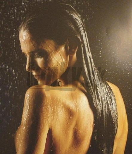 veľké prsia sprchy