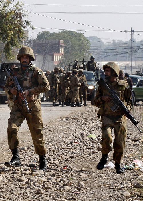 Konflikt pakistanskej polície a