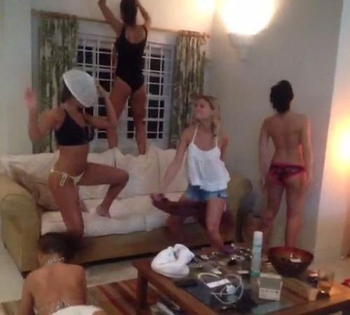 dievčatá nahé pic