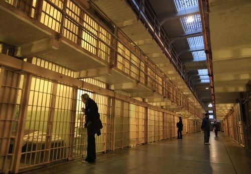 Epidémia samovrážd vo väzniciach: