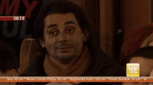 Spevák Karol Csino bol