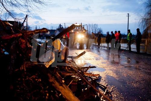 Povodňová situácia, Vieska nad