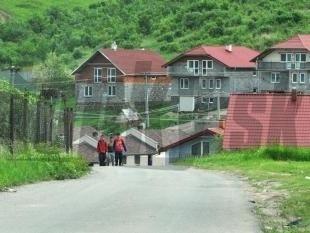 Niektoré domy zámutovských Rómov