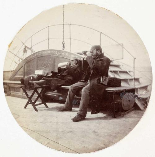 Dvaja muži na palube