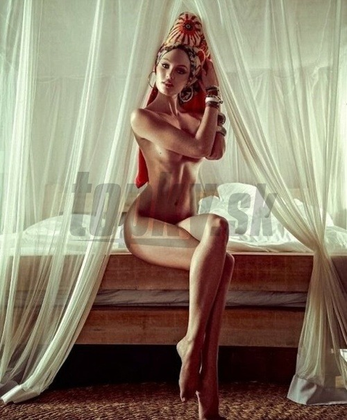 Sexy nahé obrazy dievčat