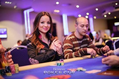 Ako sa hr poker