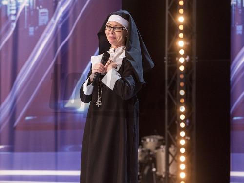 Monika Agrebi ako mníška