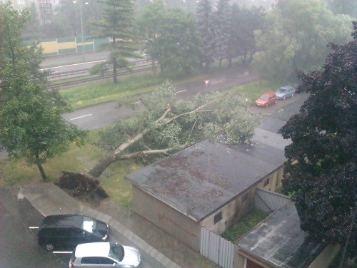 Slovensko zasiahli silné búrky: