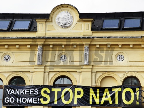 Oslavy SNP narušil Kotlebov