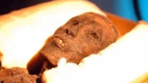 Tutanchamona dnes obdivuje celý