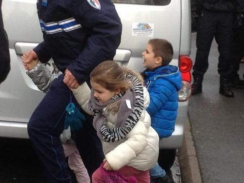 Polícia zaútočila na všetkých