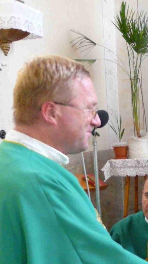 Kňaz (48) z Nevidzian