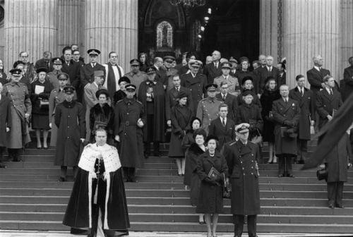 Churchillovho pohrebu sa zúčastnili