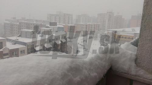 Snehové peklo útočí: Mimoriadna