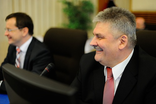 Minister práce, sociálnych vecí
