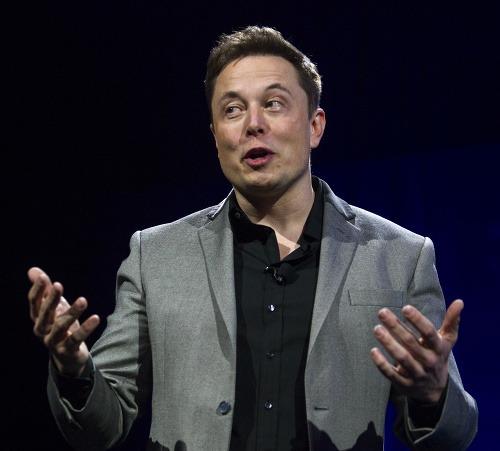 Elon Musk má žalobu