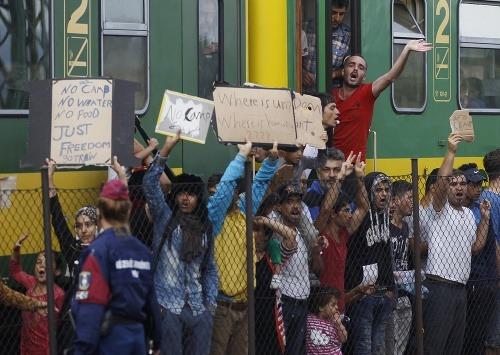 Vlak z Budapešti skončil