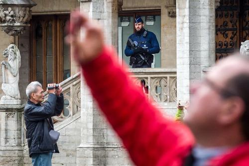 Britská polícia a vojaci