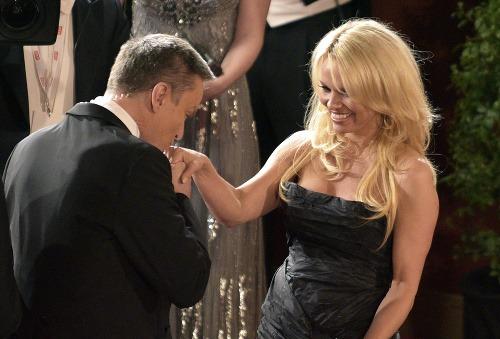 Aj Pamela Anderson bola
