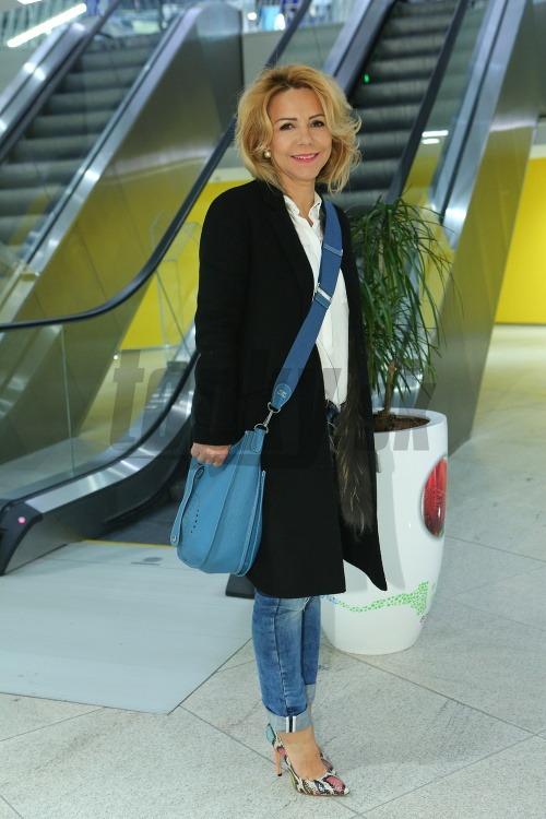ed74e2280 Mama Cibulkovej v hriešne drahom outfite: Luxusné doplnky za 5-tisíc ...