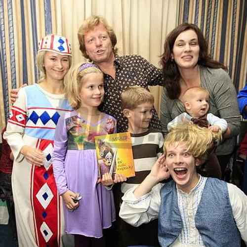 Kompletná rodinka Kramárovcov na