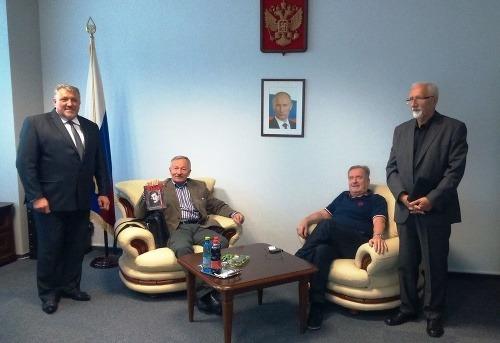 Svjatoslav Rybas (druhý zľava)
