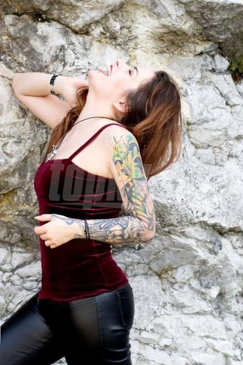 Speváčka Lenka Lo Hrůzová
