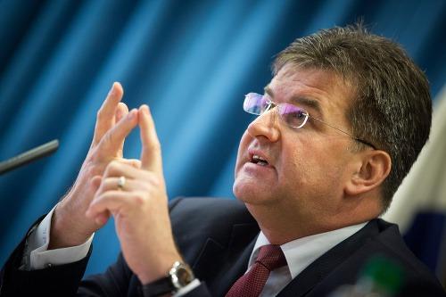 Miroslav Lajčák je čelí