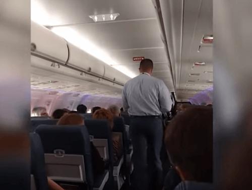 Aerolinky vyhodili z lietadla pasažiera  Urobil niečo 802d782f3e5