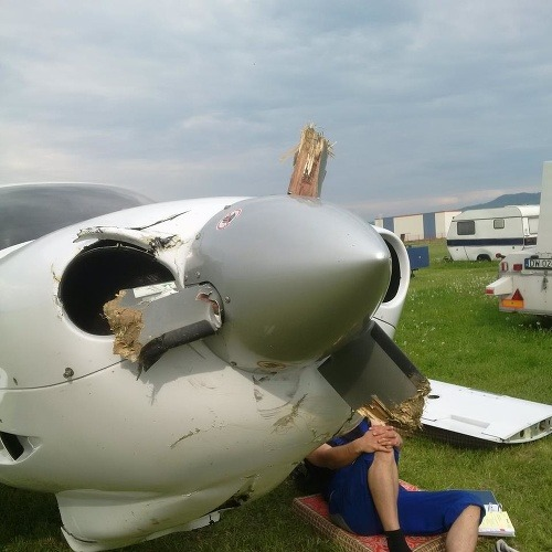 Lietadlo DA-40 OM-SCS s