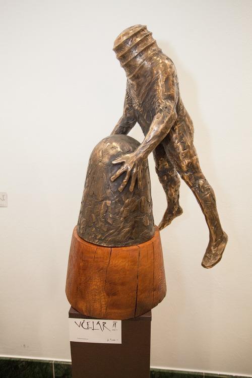 Veľkolepá výstava uznávaného sochára