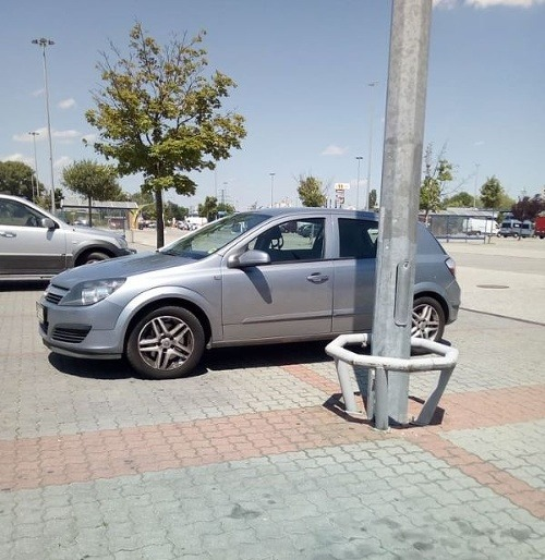 FOTO Parkovanie na chrapúňa