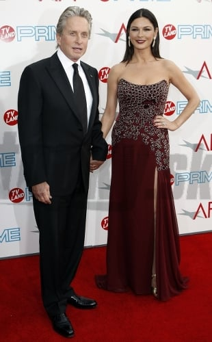 Catherine Zeta-Jones s manyelom
