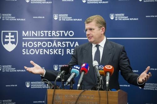 Na snímke minister hospodárstva