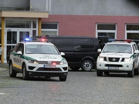 Miloša Kaštana odvádzajú zo