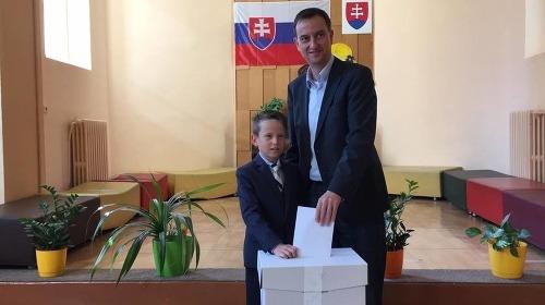 Daniel Krajcer so synom