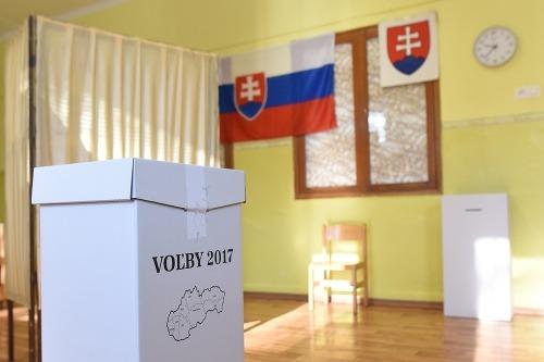 Snímka z hlasovacej miestnosti