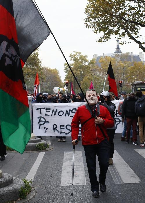 Protesty proti Macronovi.