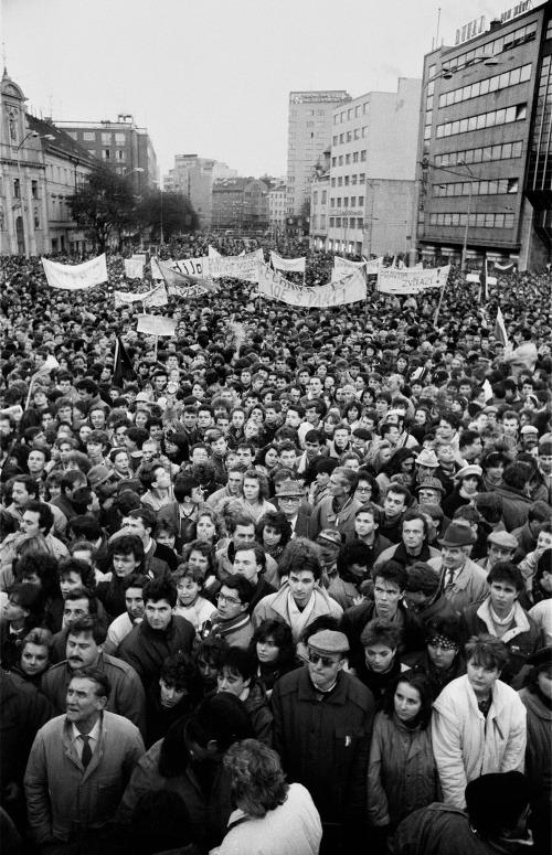 Manifestácia desaťtisícov Bratislavčanov na
