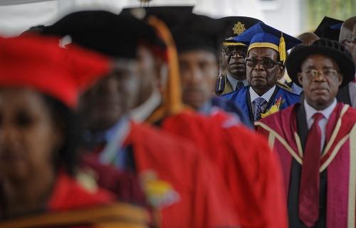 Mugabe sa objavil prvýkrát
