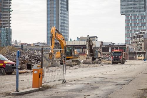 Búranie autobusovej stanice Mlynské