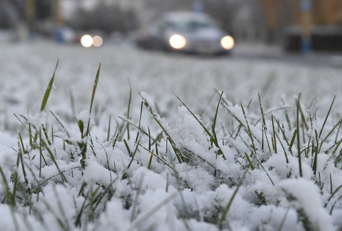 Zima, vietor a sneh