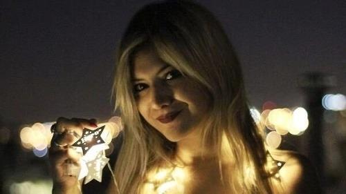 Brenda (28) sa vrhla