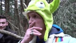 Mladík narazil v lese