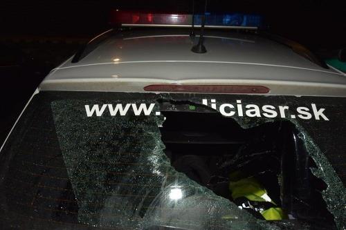 Polícia vyčísľuje škody.