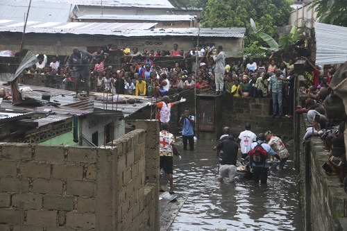 FOTO Metropolu Konga zasiahli